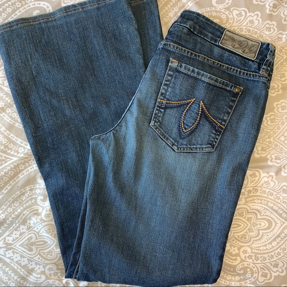 Level 99 Denim - Level99 Boot Cut, Mid Rise Jeans Size 30s